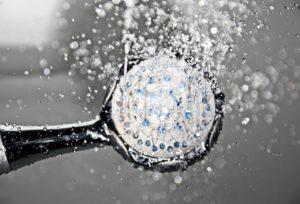 でも、シャワーヘッドのお湯を直接創床に向けて当てないで下さいね。圧が強すぎます。
